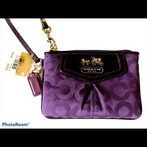 Coach Madison Raisin Purple Wristlet 43262 NWT